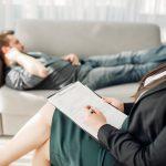 Kiedy należy zgłosić się do psychologa?