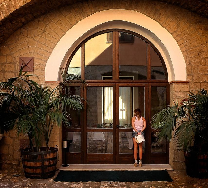 eleganckie zewnętrzne drzwi