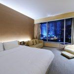 Oświetlenie w hotelu – praktyczne i budujące atmosferę