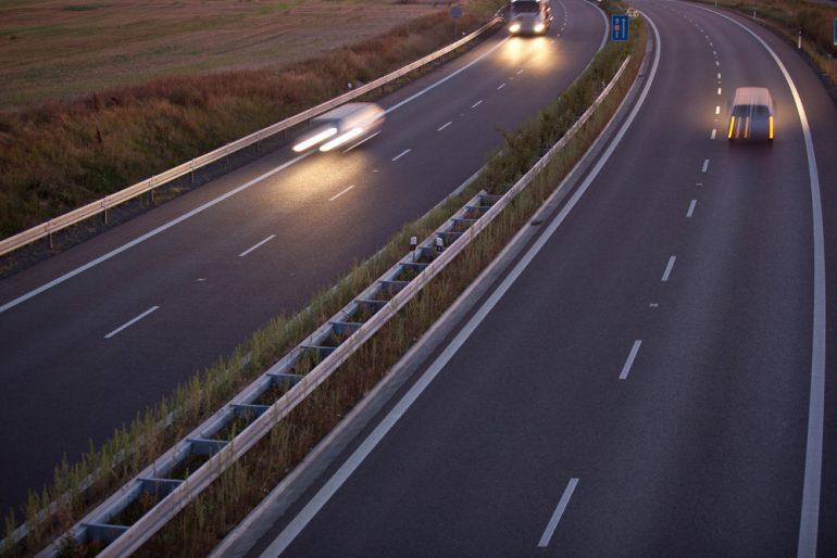 Sposoby na zabezpieczanie autostrad przed zwierzętami